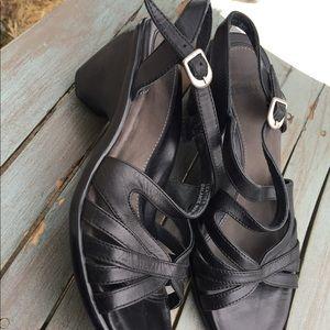 Women's Dansko Black Leather Sandals Size 6/36 EUC